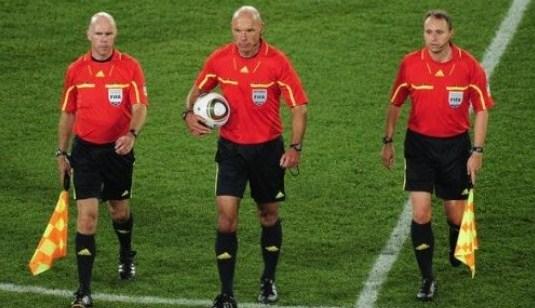 wasit sepak bola